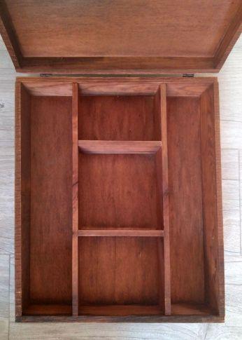 Interior caja de vino